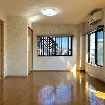 光が差し込みます※写真は3階の同間取り別部屋のものです