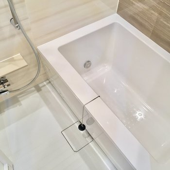 追い焚き&浴室乾燥機もついていて設備充実!