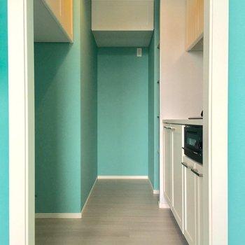 キッチンも孤立しているのがうれしい。冷蔵庫場所はそこだ!