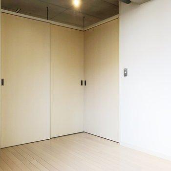 【上階洋室】ナチュラルなデザイン素敵だな…