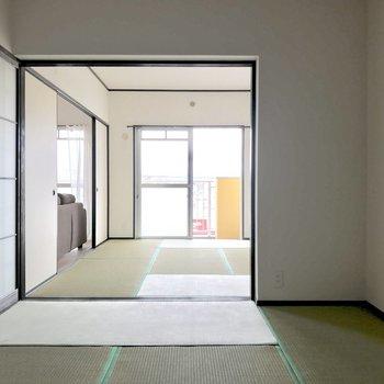 和室2部屋、繋げて使うのもイイよね。(※写真は4階の反転間取り別部屋、家具と小物は見本のものです)