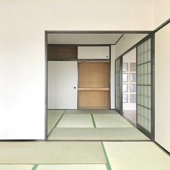 奥にはしっかり収納◎(※写真は4階の反転間取り別部屋、家具と小物は見本のものです)