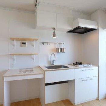 キッチンは白で統一!シンプルでかわいらしい◎