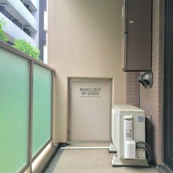 バルコニーもワイドな広さがありがたい※写真は1階の反転間取り別部屋のものです