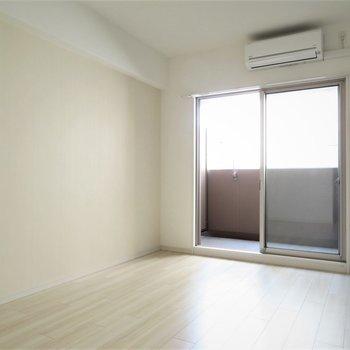 なにを置きましょうか※写真は4階の似た反転似た間取り角部屋のものです