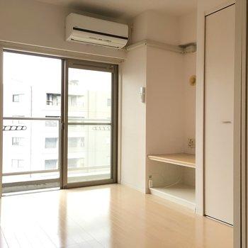 エアコンはお部屋に付いてきますよ!※写真は10階の反転似た間取り別部屋のものです