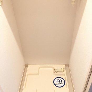 洗濯機は通路に〜!ドアで隠せますよ。※写真は10階の反転似た間取り別部屋のものです