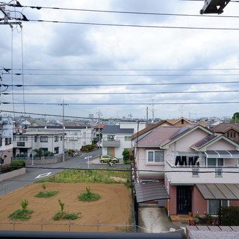 こちらからは住宅街が見えます。