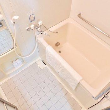 手すりがつき、バリアフリーなデザイン。※家具はサンプルです