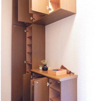 靴箱は容量たっぷり!※家具はサンプルです。