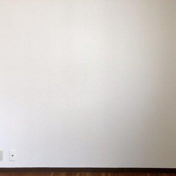 【洋室】真っ白な壁にドライフラワーや写真をペタペタ貼りたいなあ