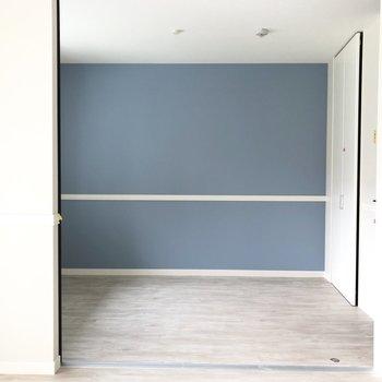 【洋室】それでは洋室へ行きましょう。※写真は3階の同間取り別部屋のものです