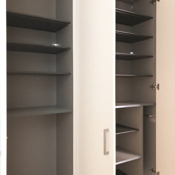 大容量シューズボックスです。※写真は3階の同間取り別部屋のものです