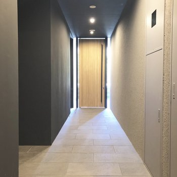 1F共用スペースはホテルのような雰囲気。