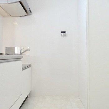 キッチンのスペースも広い!(※写真は3階の同間取り別部屋のものです)