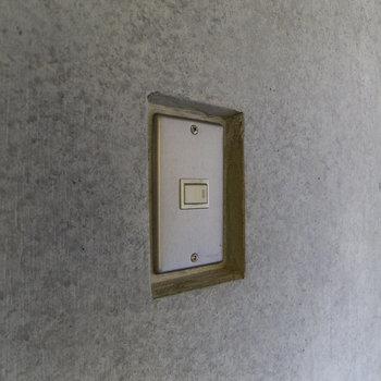 【3F】スイッチをくり抜いた壁の中へ。小技が光ります。