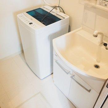 洗濯機も完備です!