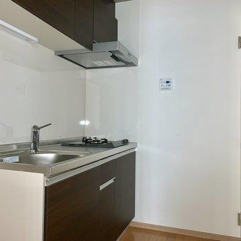 キッチンまわりスペースあります※写真は通電前のものです