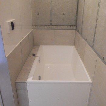 お風呂もあるのです。※写真は同間取り別部屋のものです