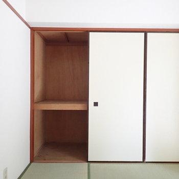【和室】くるっと振り返ると収納があります。※写真は1階の同間取り別部屋のものです