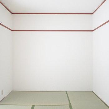 【和室】綺麗な畳、頬ずりしたい。※写真は1階の同間取り別部屋のものです
