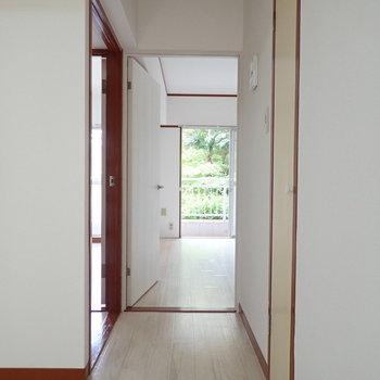 では次のお部屋に行ってみましょう。※写真は1階の同間取り別部屋のものです