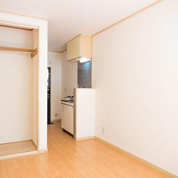ひとり暮らしの定番1R!※写真は1階の同間取り別部屋のものです