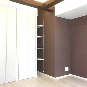 壁の色が綺麗なんです※写真は3階の同間取り別部屋のものです