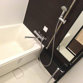 お風呂はゆっくり出来そう※写真は3階の同間取り別部屋のものです