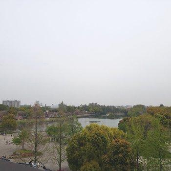 目の前は浮間公園。