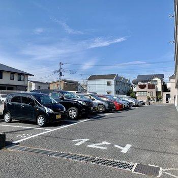 駐車場も付いています。