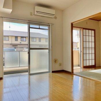 【LDK】和室は引き戸で仕切れますよ。