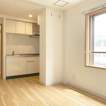このお部屋は居室としてもリビングダイニングとしても使えます