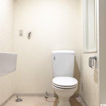 トイレと洗濯機置場は脱衣所にまとめて。(※写真は清掃前のものです)