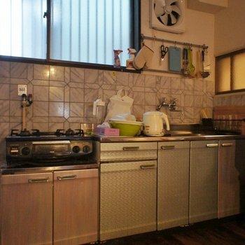 キッチンもちょっぴりレトロ。