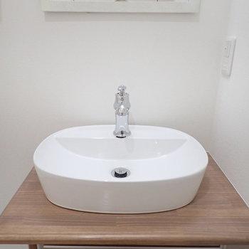 洗面台もラウンド型でかわいい雰囲気。