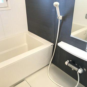 お風呂はしっかり扉閉められますよ※写真は同間取り別部屋です