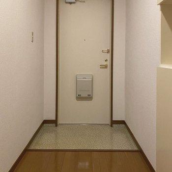 広い玄関フロアは出入りがしやすくて◎