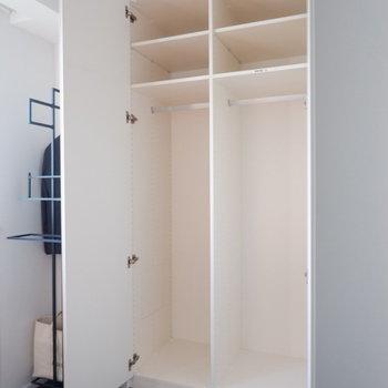 【4.5帖洋室】こちらのほうがややコンパクト。※家具はサンプルです
