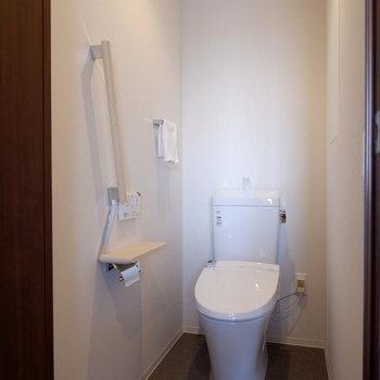 トイレは完全個室に※家具はサンプルです