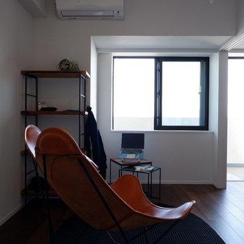 【6帖洋室】趣味のお部屋にするのも良いですね。※家具はサンプルです