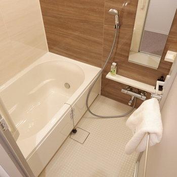 お風呂も広い!癒しの時間に浸れますね。※家具はサンプルです