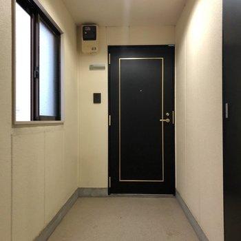 お部屋は廊下の1番奥にありました。