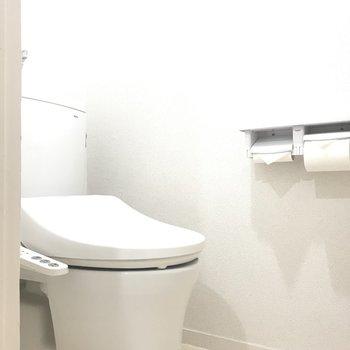 トイレは個室に。