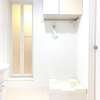 開けると広い洗面所