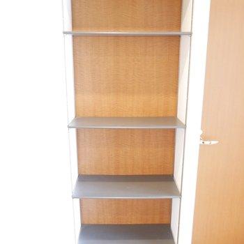 オシャレさんやアウトドアの靴が多い人も大丈夫な靴収納スペース!