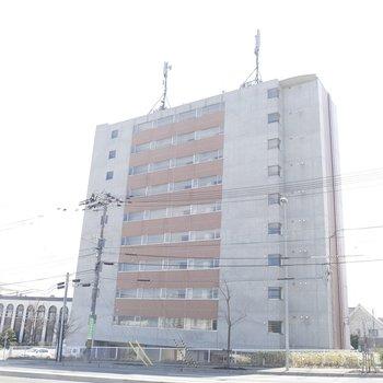 11階建てのマンション