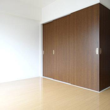 LDKの中に箱のように個室が!