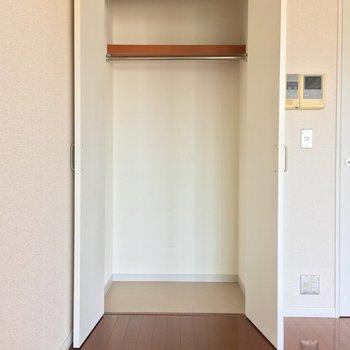 収納はここだけ。あまり物を増やさないのがスッキリなお部屋の秘訣です。(※写真は13階の同間取り別部屋のものです)