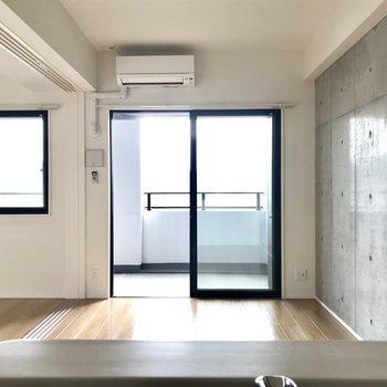 お料理しながら自慢のお部屋を眺めよう。※写真は5階の同間取り別部屋のものです